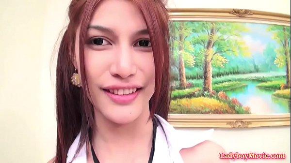 T-girl teen on cam
